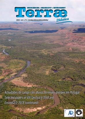 Meandros ativos e meandros abandonados em vista aérea de afluente do Rio Tocantins, região entre Estreito e Carolina, Maranhão.